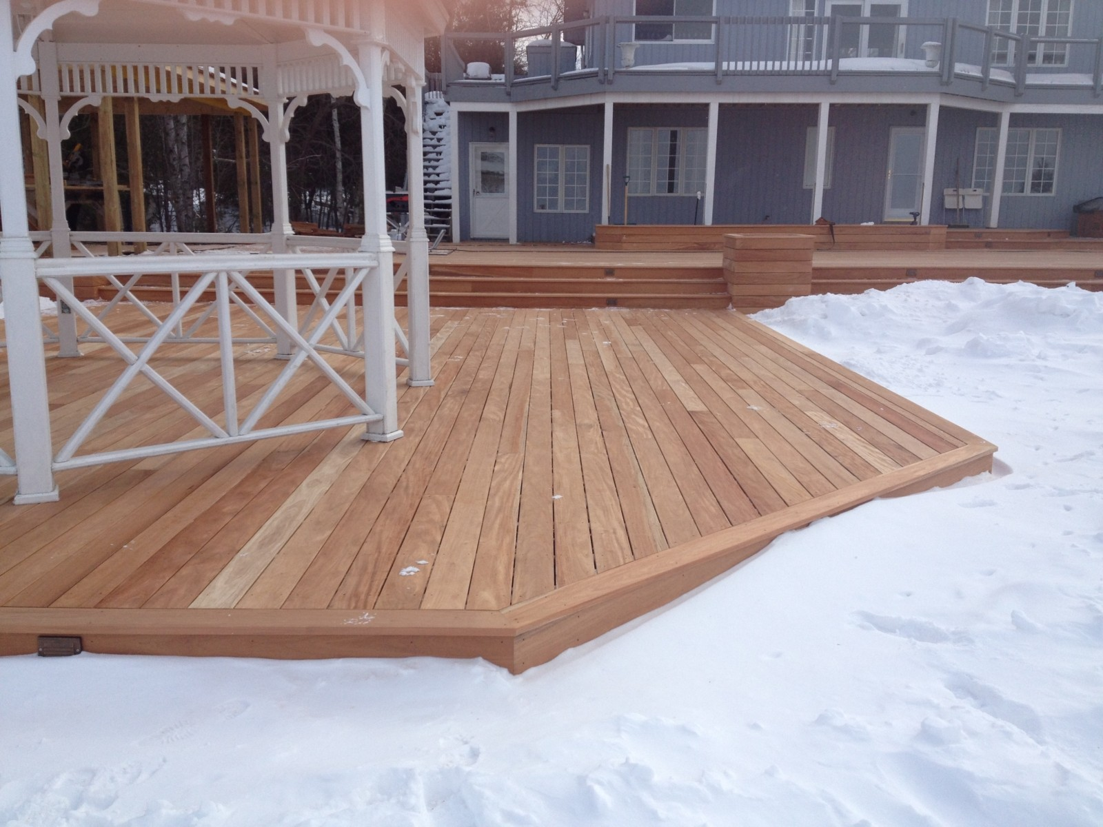 Choosing rot resistant wood for your deck